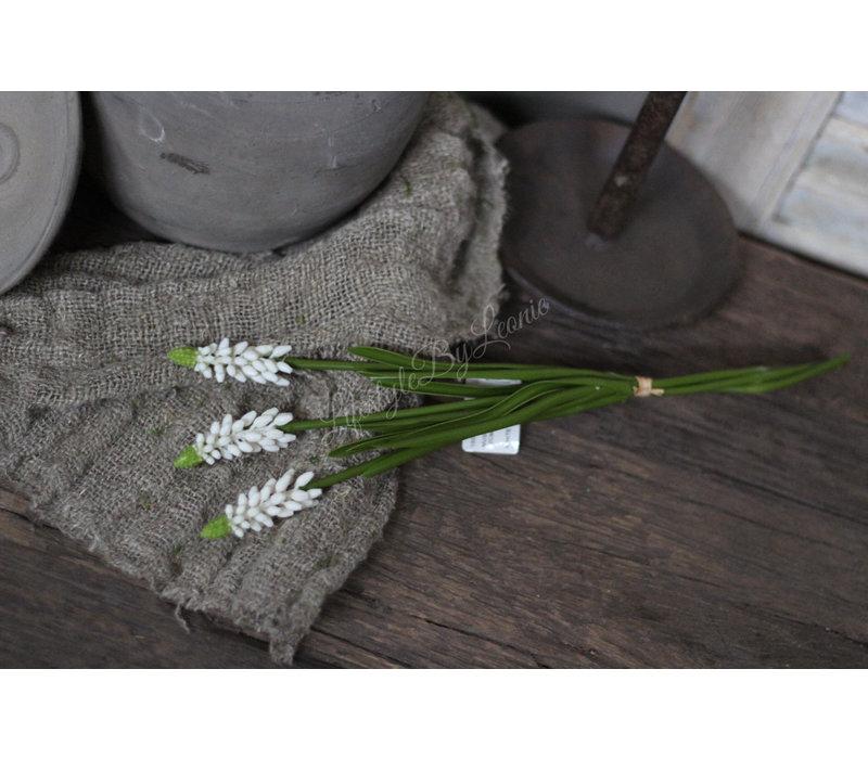 Bundel namaak Witte druifjes 32 cm
