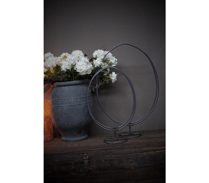 Metalen kransen Ei frame op voet 40 cm