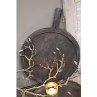 Oude schaal met handvat black wash 35 cm
