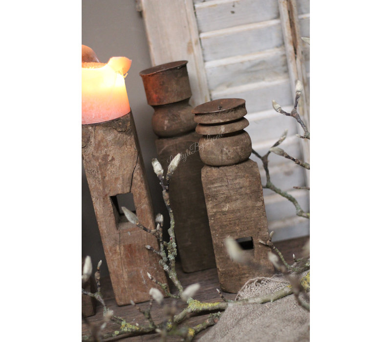Oude houten mini baluster kandelaar