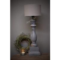 Grijs houten baluster lampvoet