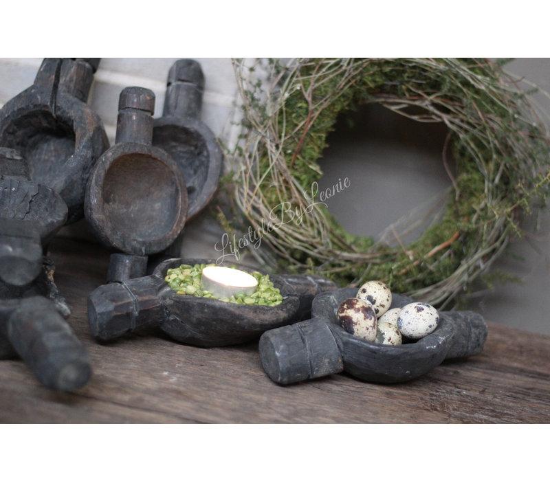 Aura Peeperkorn zwart houten vijzel kandelaartje