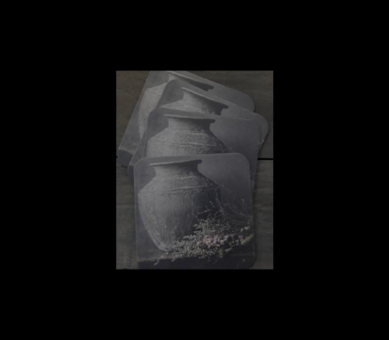 Sobere onderzetters Antieke pot