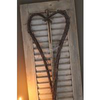 Metalen hart opgemaakt met berken takken 80 cm
