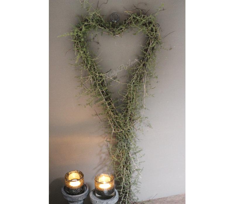 Hangend hart met wilde asparagus