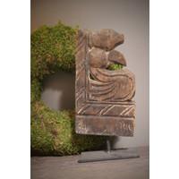 Aura Peeperkorn houten ornament op statief