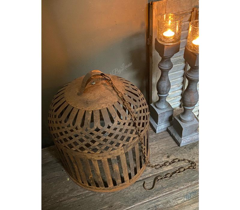 Oude roestige kooi hang lampenkap