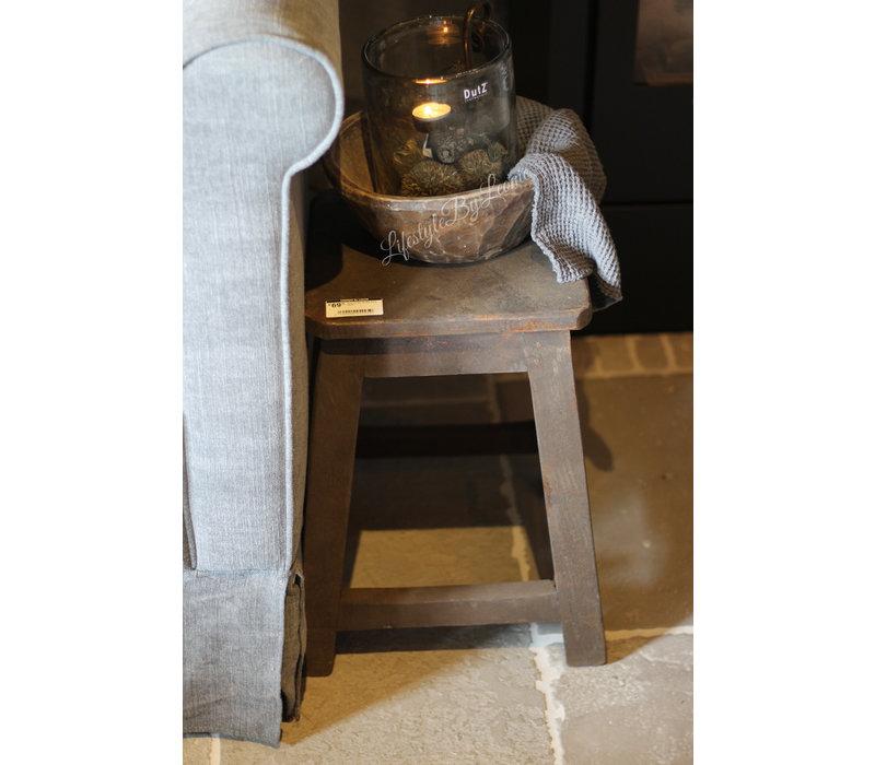 Aura Peeperkorn houten krukje Dark wood
