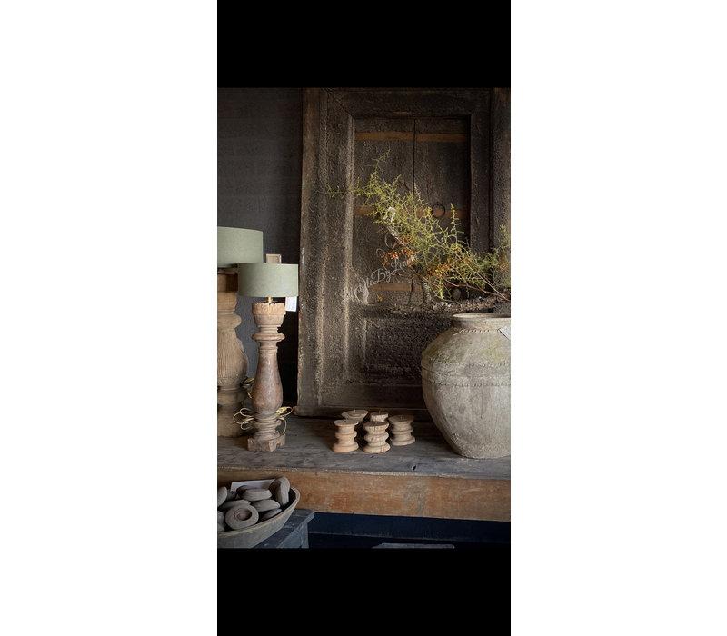 Aura Peeperkorn houten candle stand