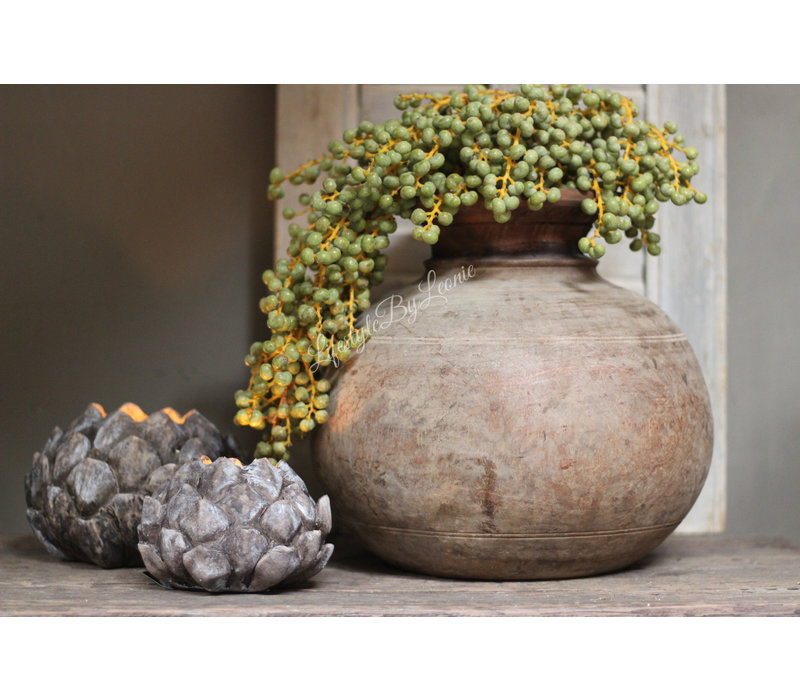 Nepalese ronde houten waterkruik
