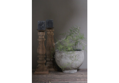 Stenen pot op voetje Riny 20 cm