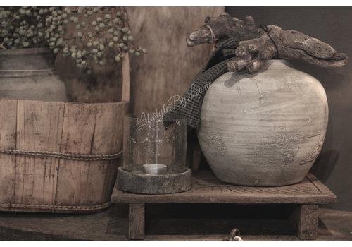 Oud houten bajot bewerkt