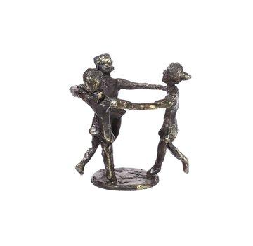 Bronzen beeld met blije spelende kinderen