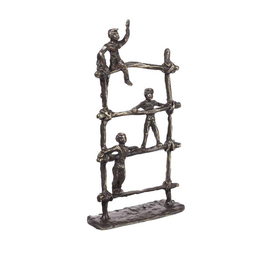 Playground/Speeltuin Kinderbeeldjes op sculptuur.