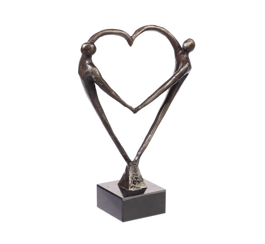 Hart voor elkaar. sculptuur