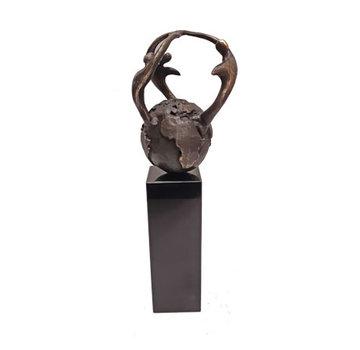 Bronzen beeld Samen voor elkaar zorgen