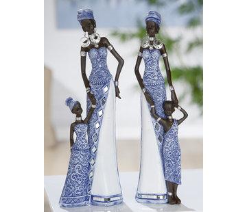 Afrikaanse moeder en zoon in mozaïek blauw.