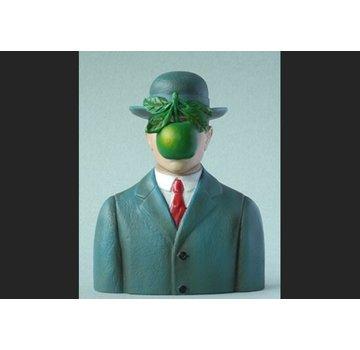 Beeld Mensenzoon van Magritte