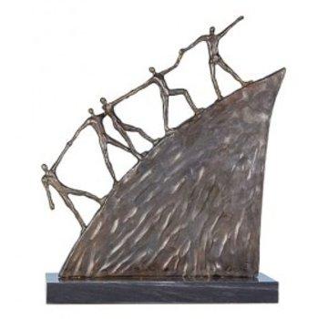 Corry Ammerlaan Beeld brons on the road (groot)