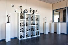 Kunstpakket de grootste online shop voor bronzen beelden, cadeaus en moderne relatiegeschenken.
