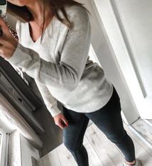 Erica v-neck knit light beige