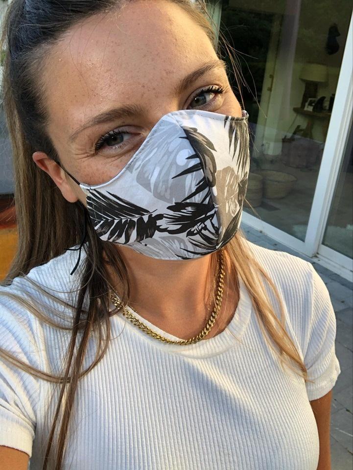 Mondmasker vrouw blad