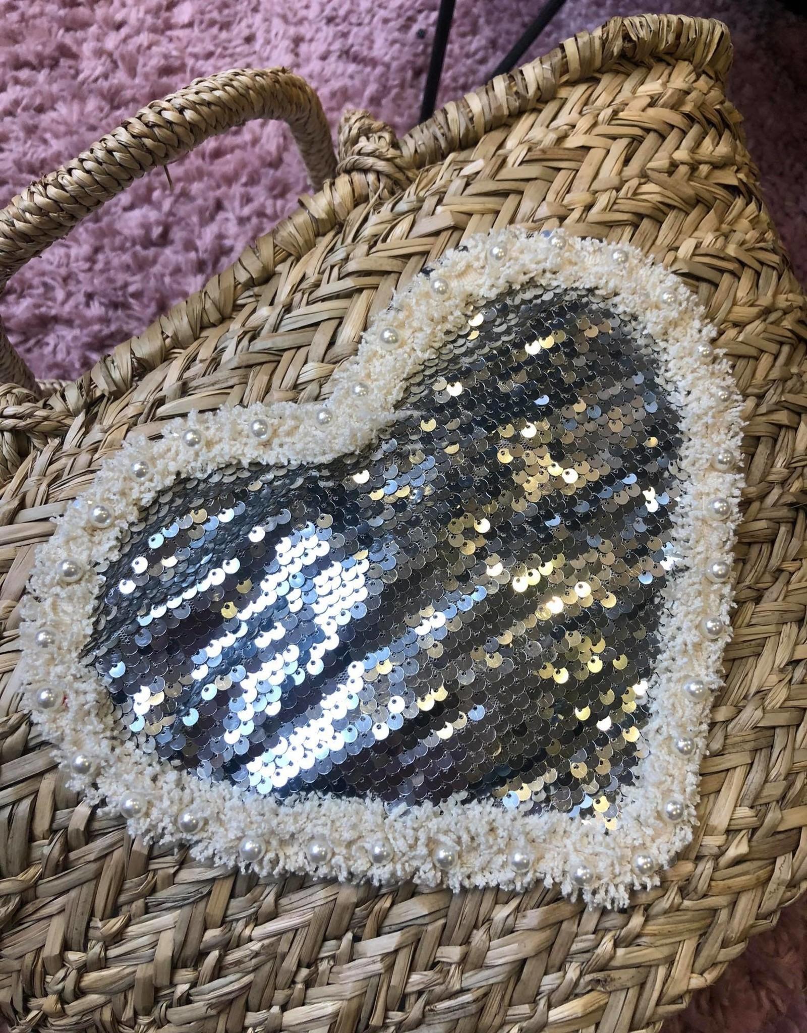HAND WEAVED BEACH BAG HEART MOTIF ZILVER