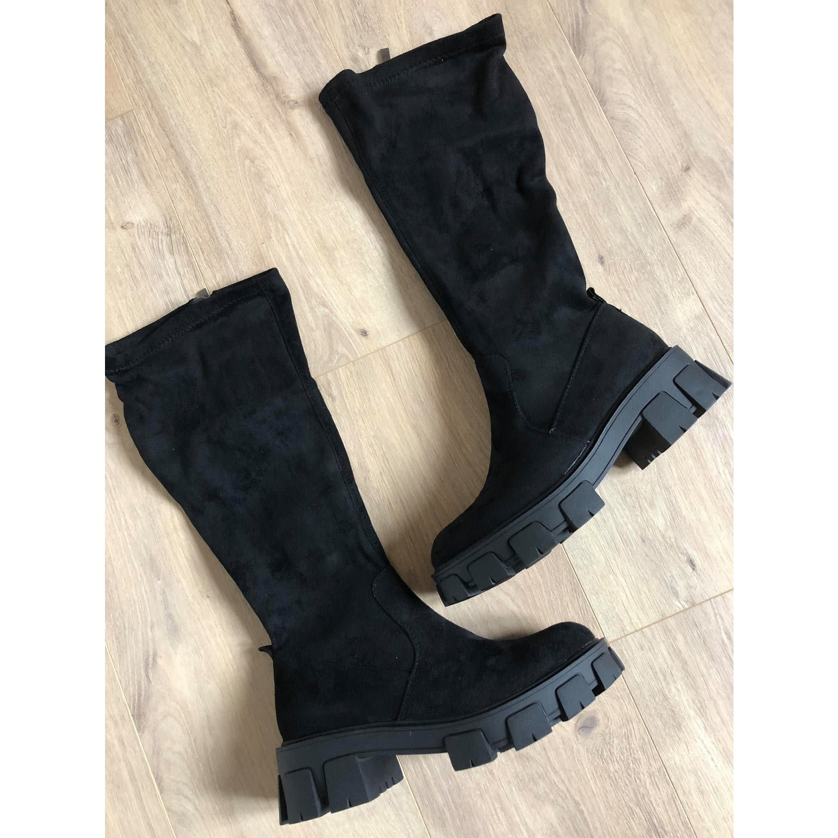 Dream boots black