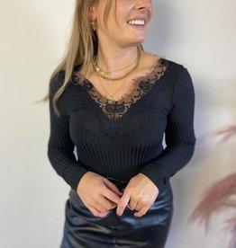 Delia ls lace top black