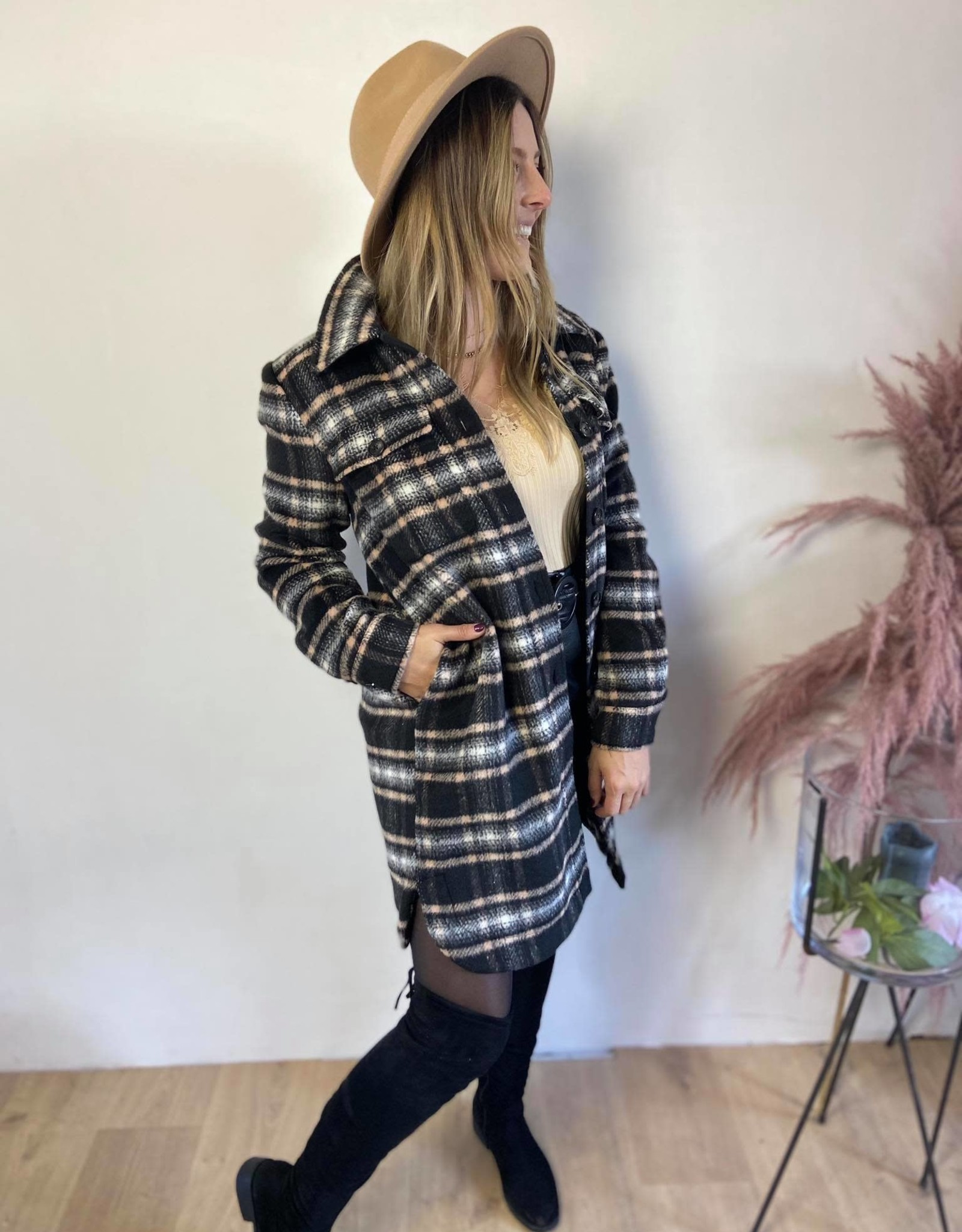 Kaloa jacket black check