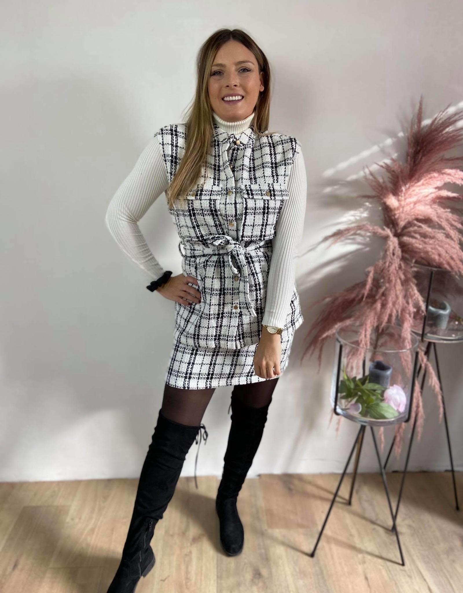 ALICIA VEST white/black check