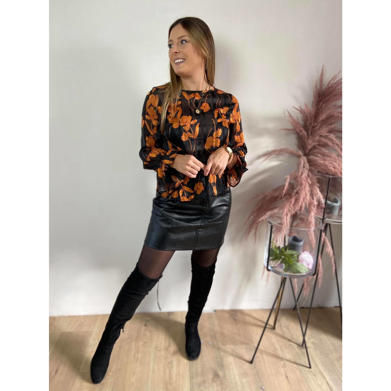 PHILIPPA BLOUSE BLACK/ORANGE