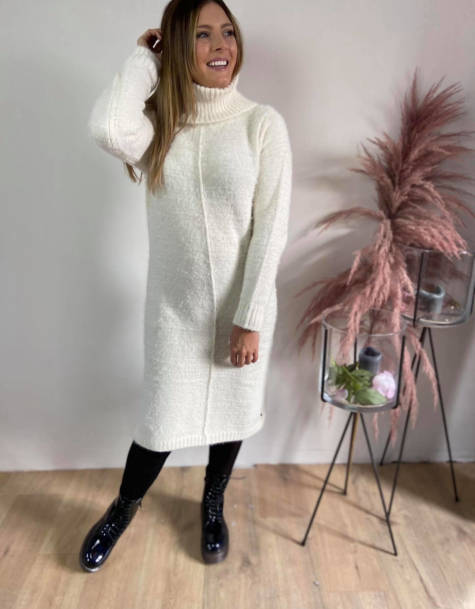 CRIris Knit Dress eggnog
