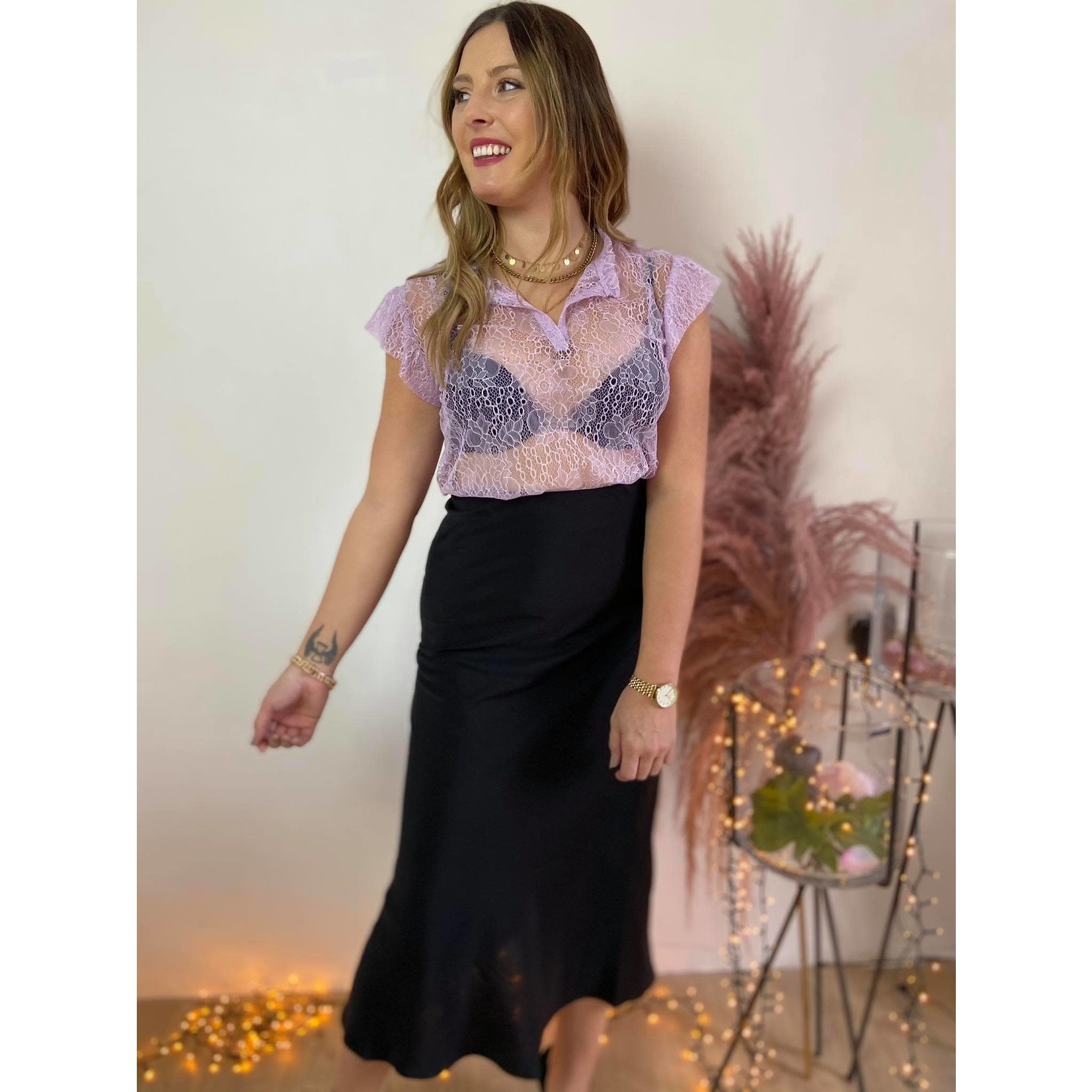 Taylor lace top lilac