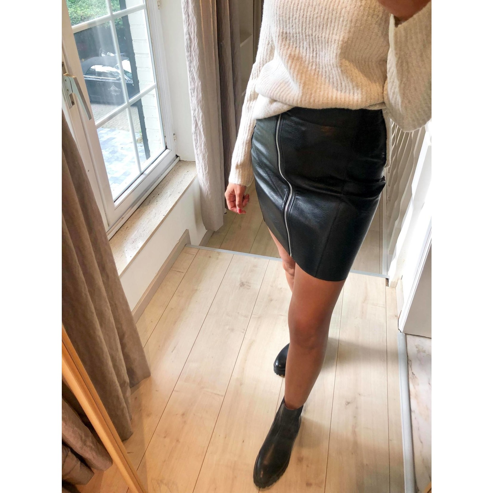 Nellie pu skirt black