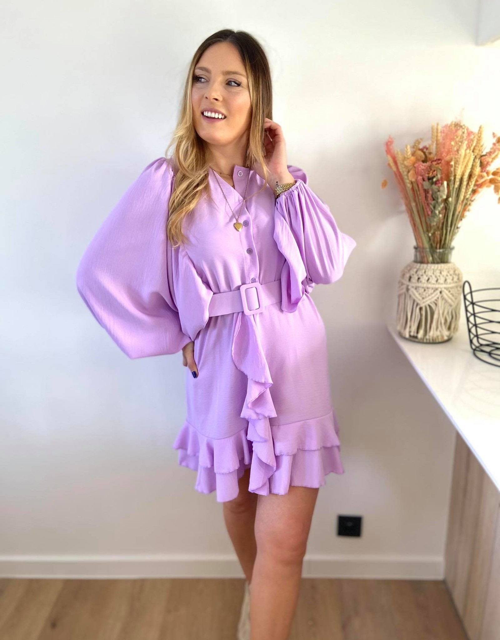 Musthave Ruffled dress lila