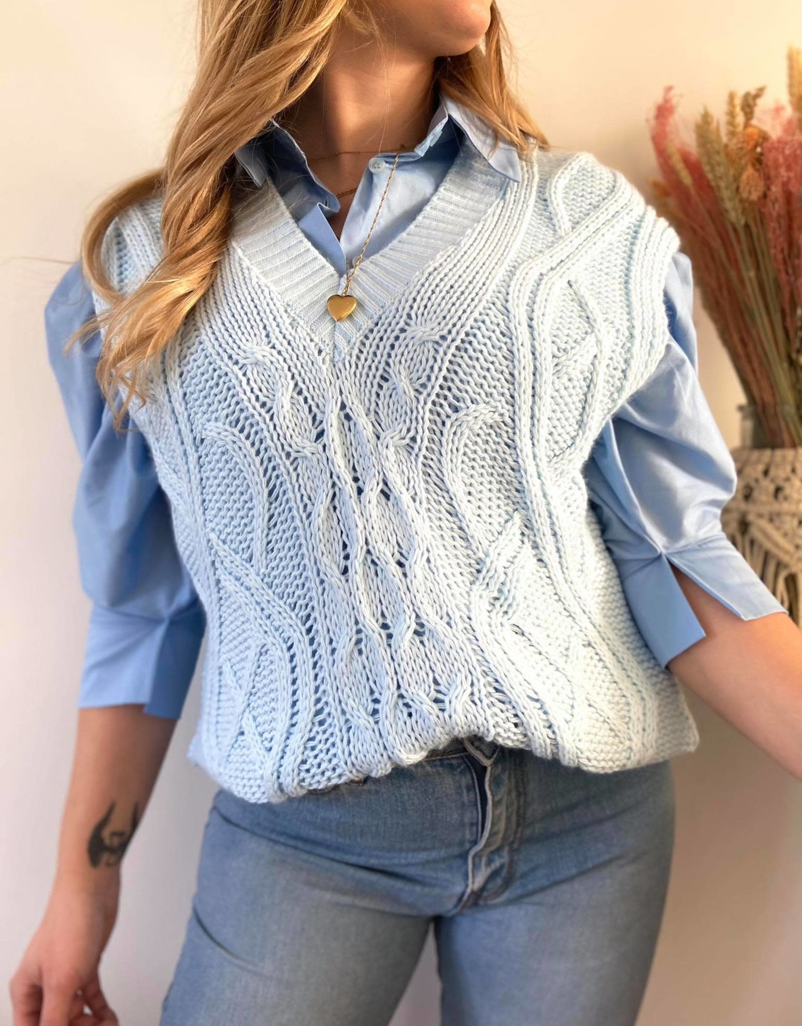 Sleeveless sweater blue TU
