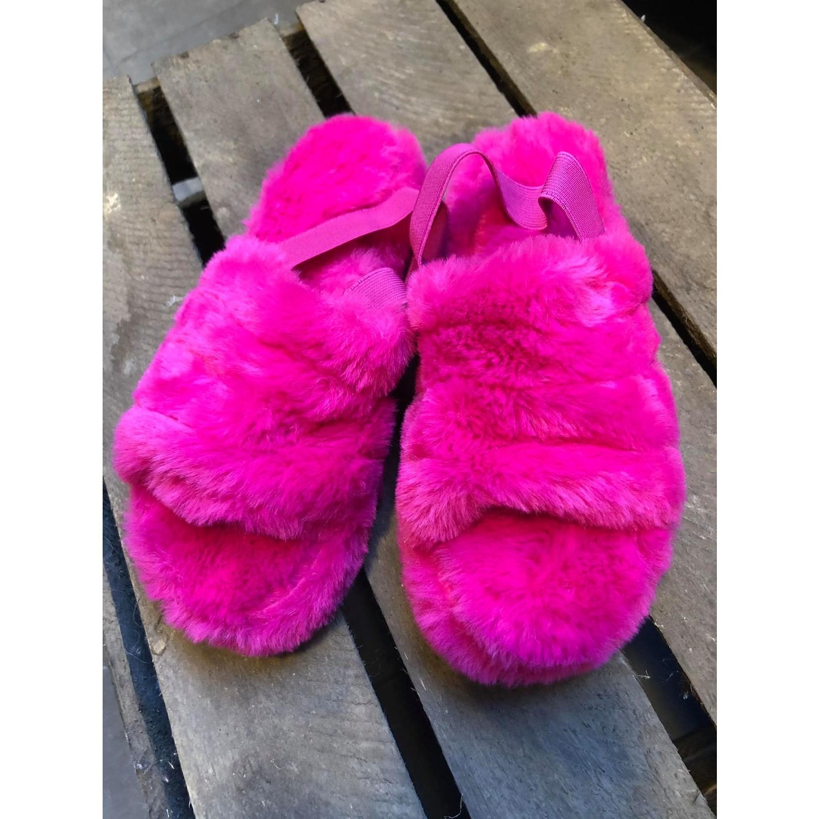 Fur slippers fuchsia