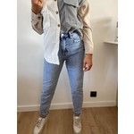 High jeans mom fit
