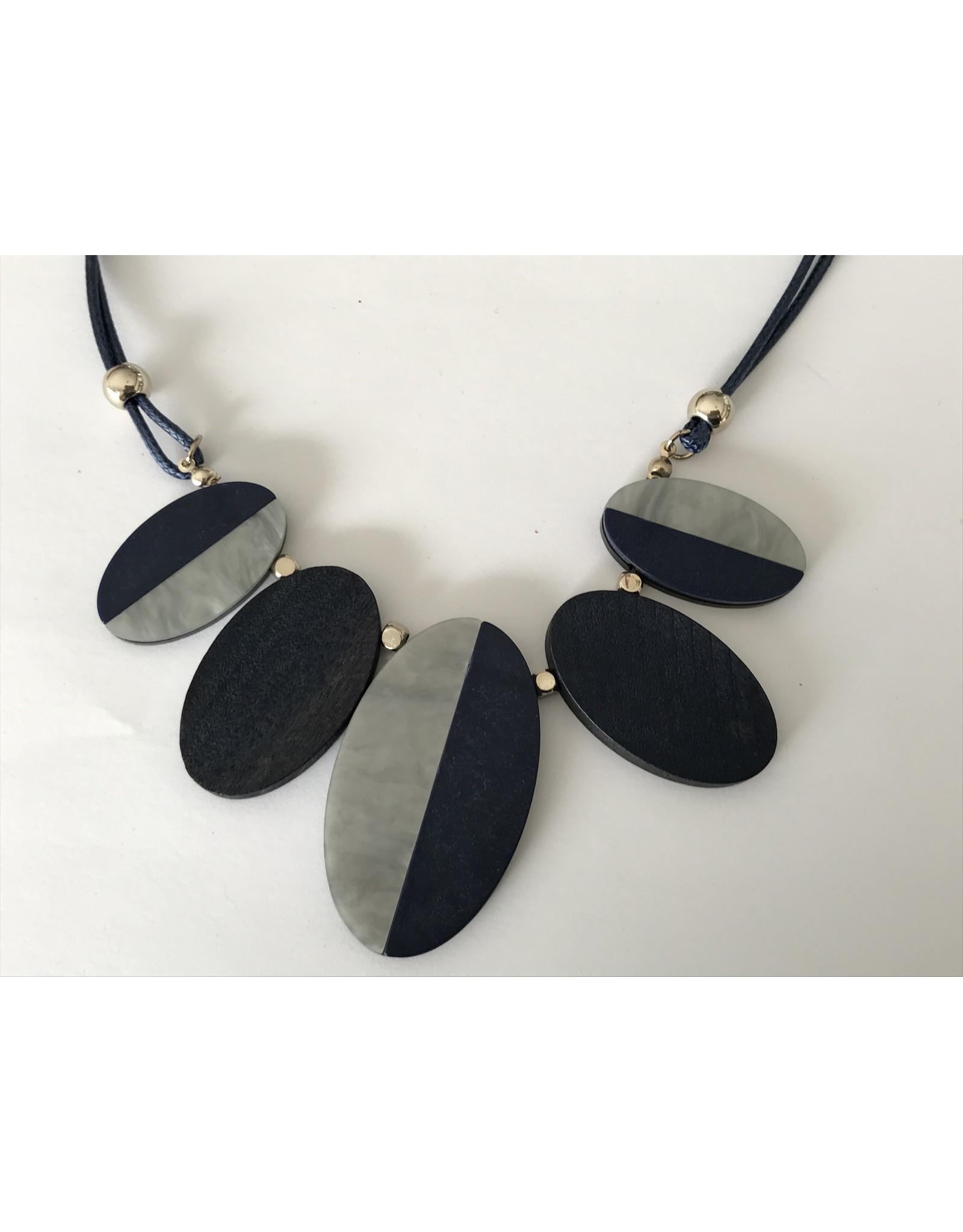 Axxes-Soir Korte ketting - donker blauw - houten ovaaltjes