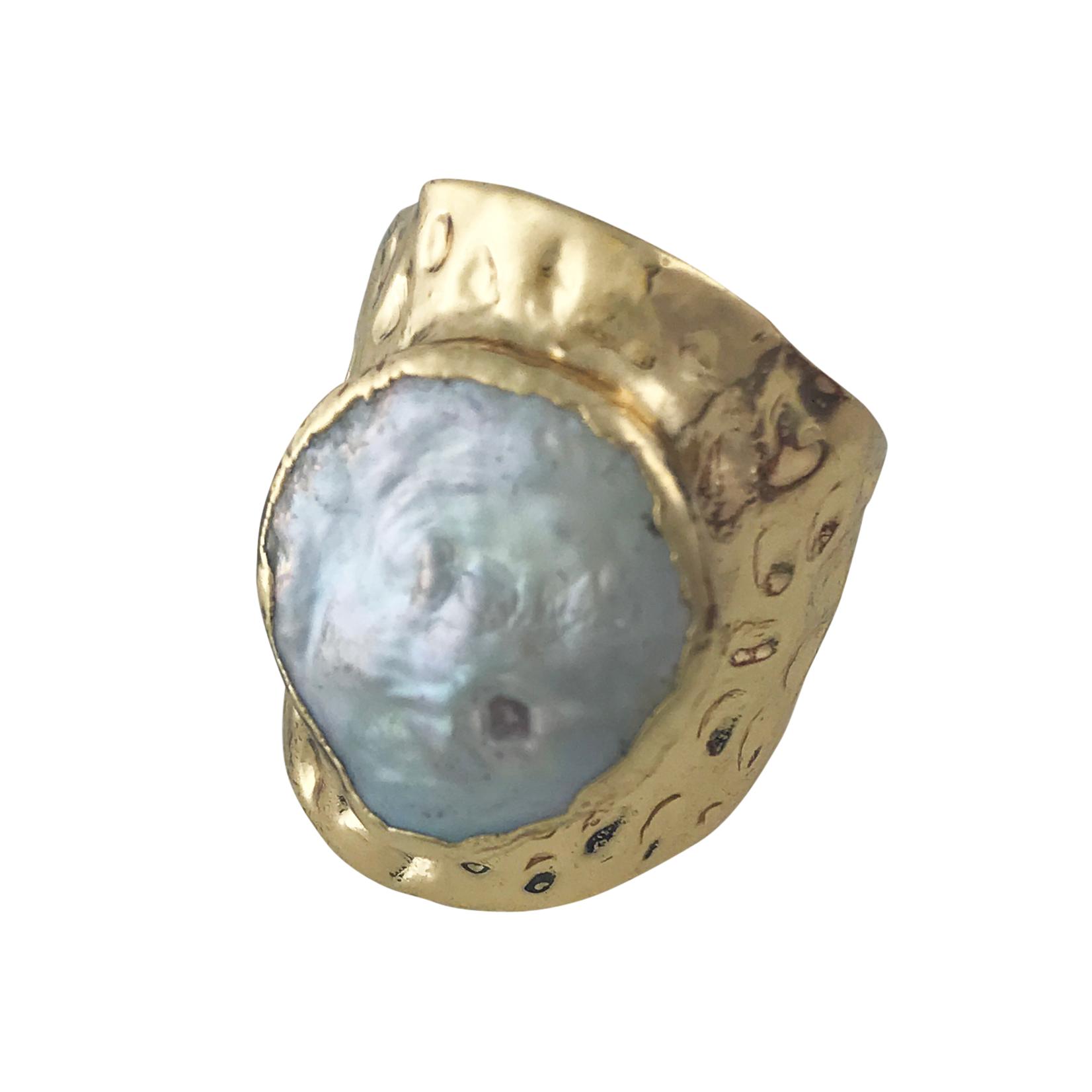 Axxes-Soir Ring verstelbaar goudkleurig met parelmoer
