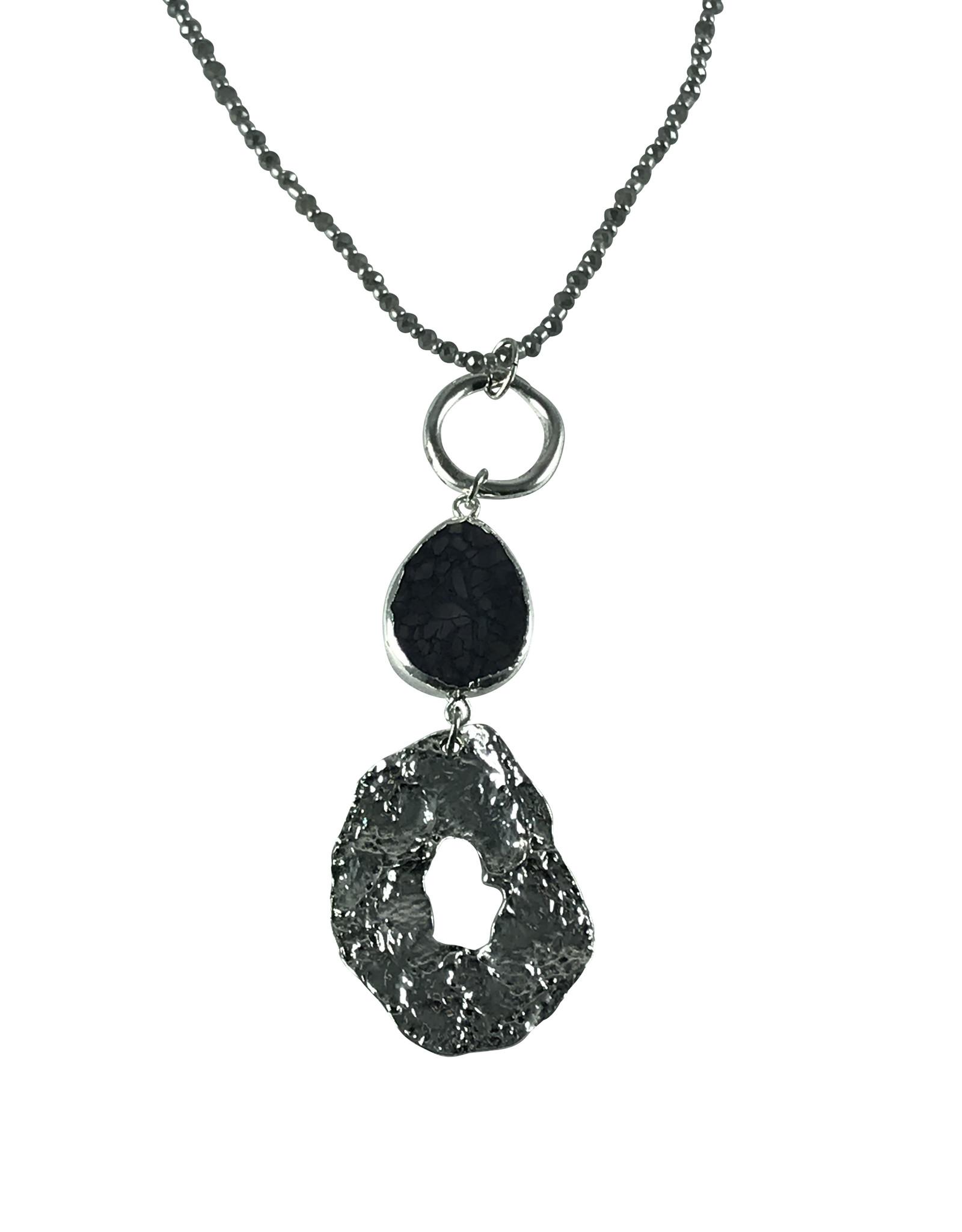 Axxes-Soir lange ketting zilverkleurig - zwarte hanger