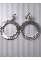 Biba Oorringen zilverkleurig met grijze en mat zilveren cirkel