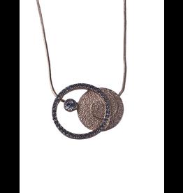 Axxes-Soir korte  fijne rosékleurige matte ketting met 2 cirkels