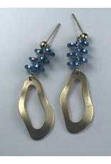 Biba Oorringen goudkleurige hanger  met blauwe schijfjes