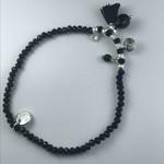 Biba armband zwarte fijne bolletjes - zilverkleurige afwerking