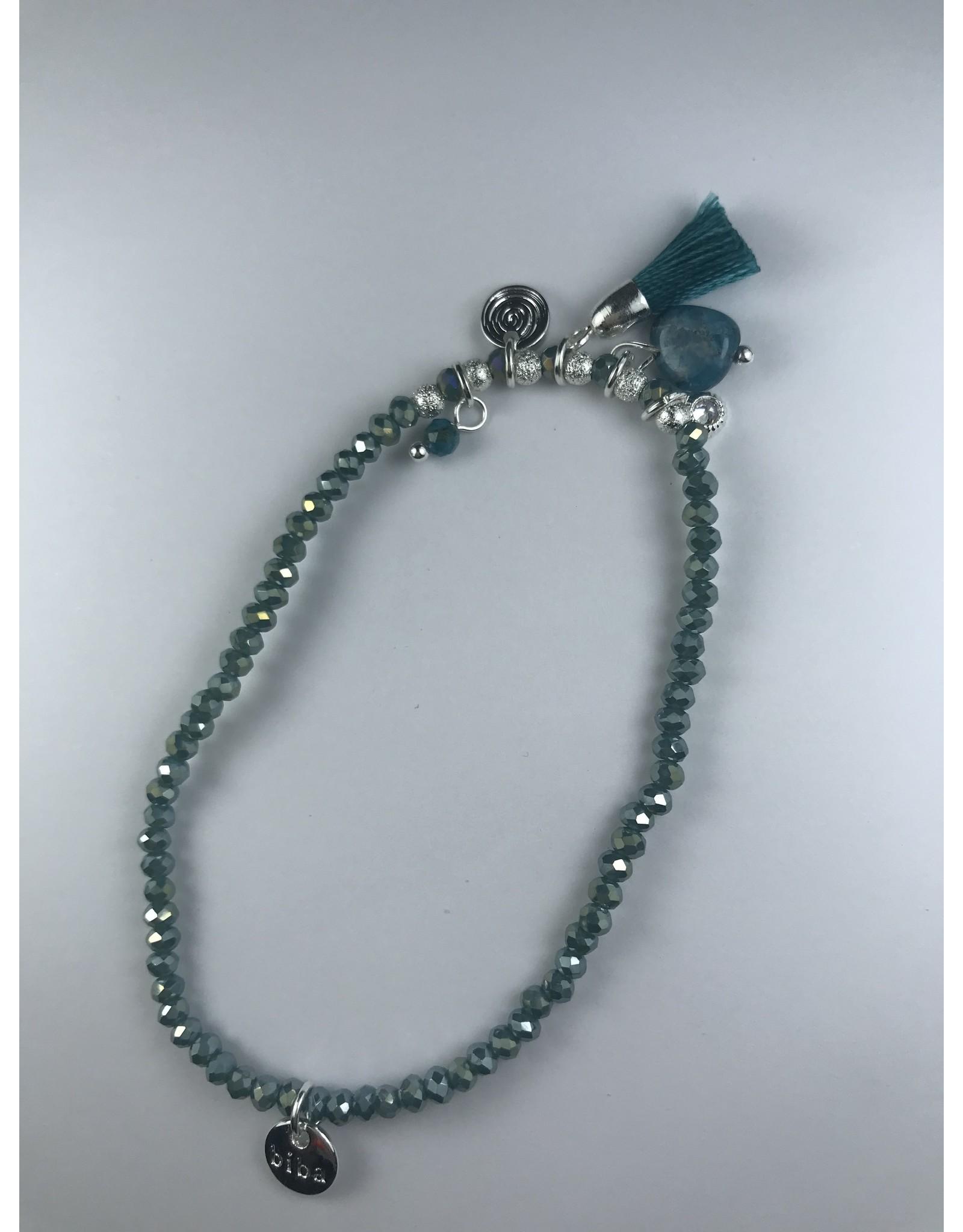Biba armband grijs fijne bolletjes - zilverkleurige afwerking