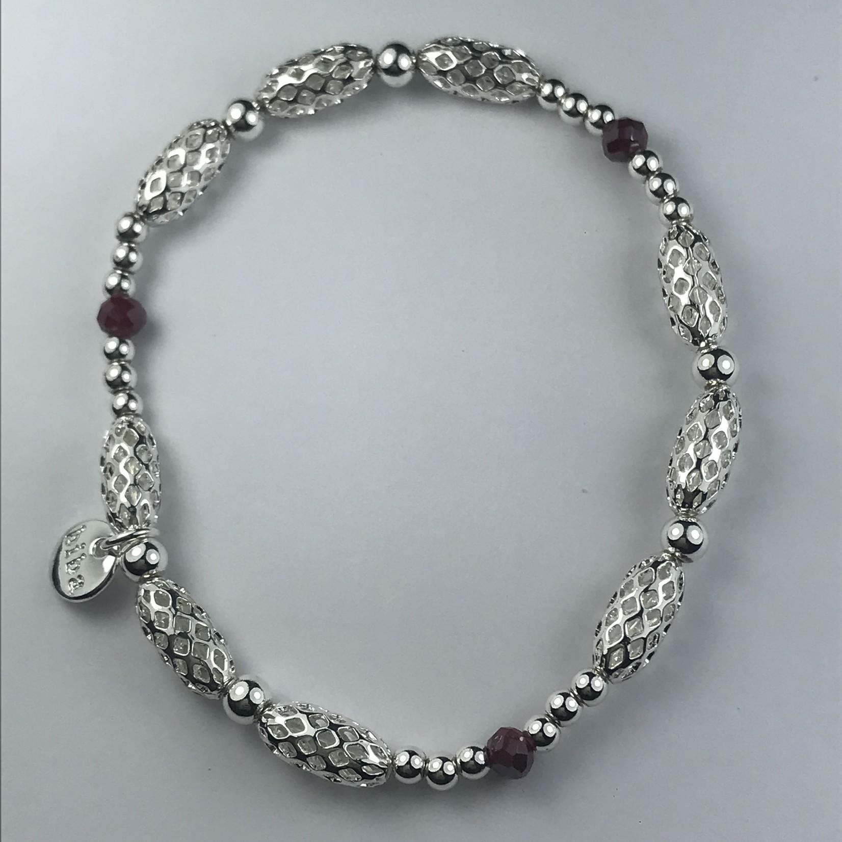 Biba armband zilverkleurige  fijne schakels met bordeaux bolletje