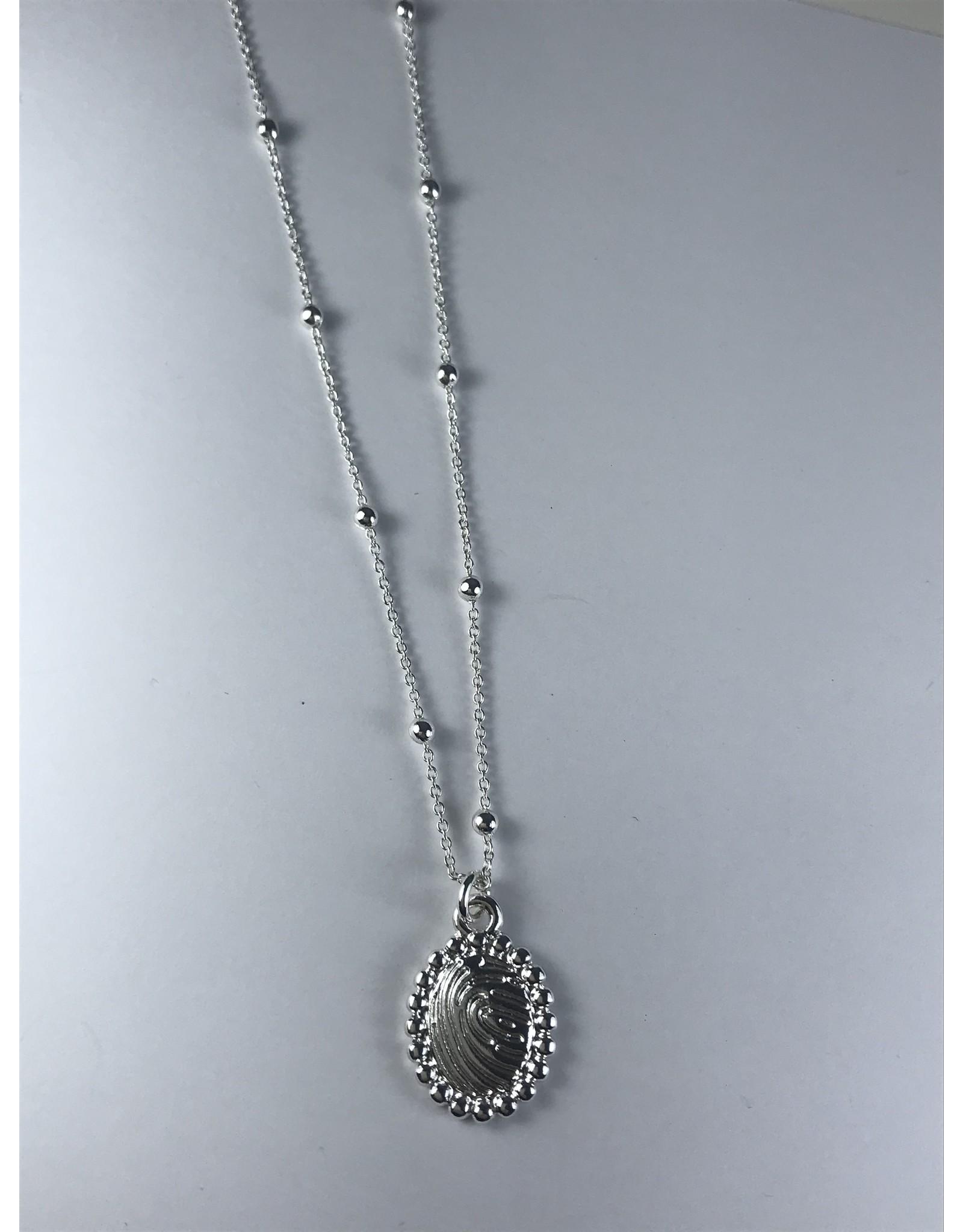 Axxes-Soir korte  fijne zilverkleurige ketting met ovaal plaatje