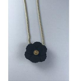 Axxes-Soir korte  fijne goudkleurige ketting met klein zwart bloemetje
